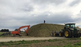 walling-contracting-services-gallery-full-pit-silage-4